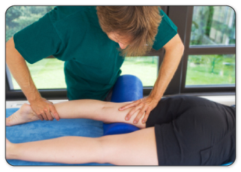 Physical therapists will warm up your tendon by performing deep tissue massage.